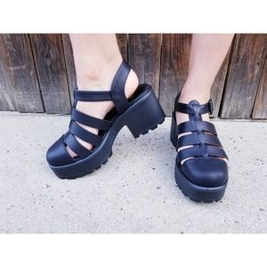 Black Gladiator Chunky Lug Sole Closed Toe  Shoes